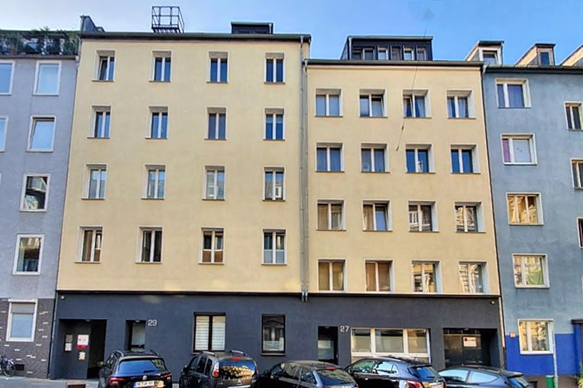 Zwei Wohn- und Geschäftshäuser