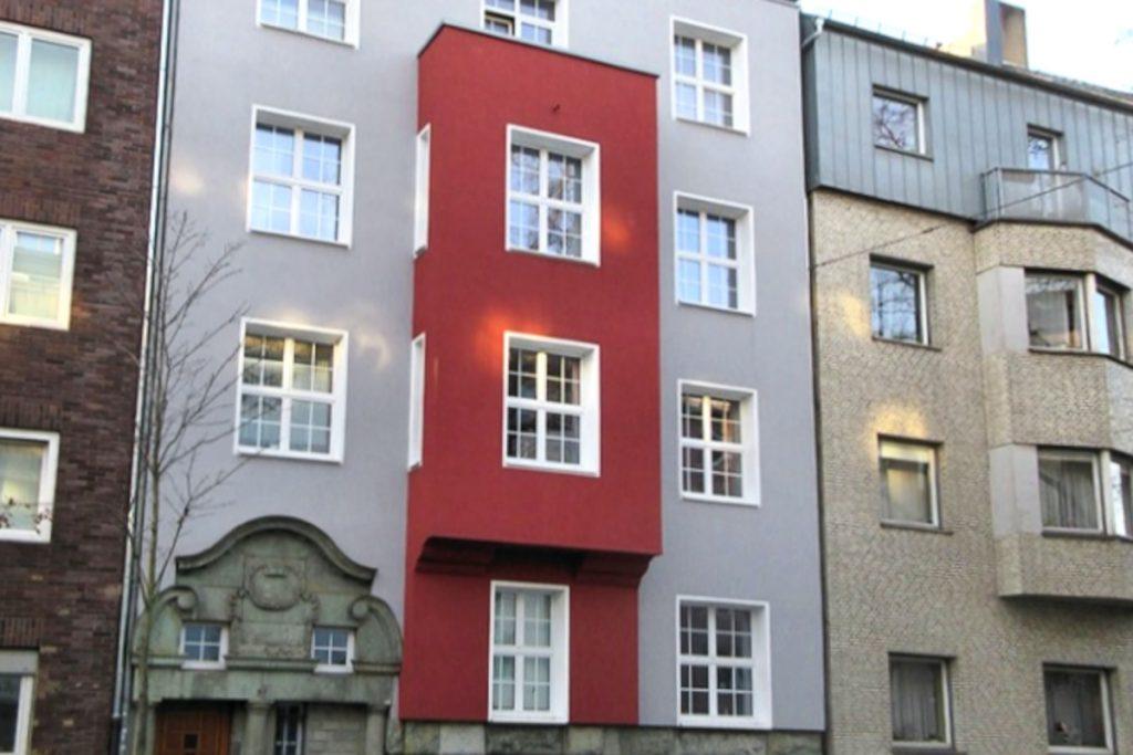 Altbau mit großzügigen Wohnungen